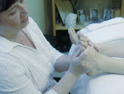 Reflexology for Feet and Hands at Hand to Health